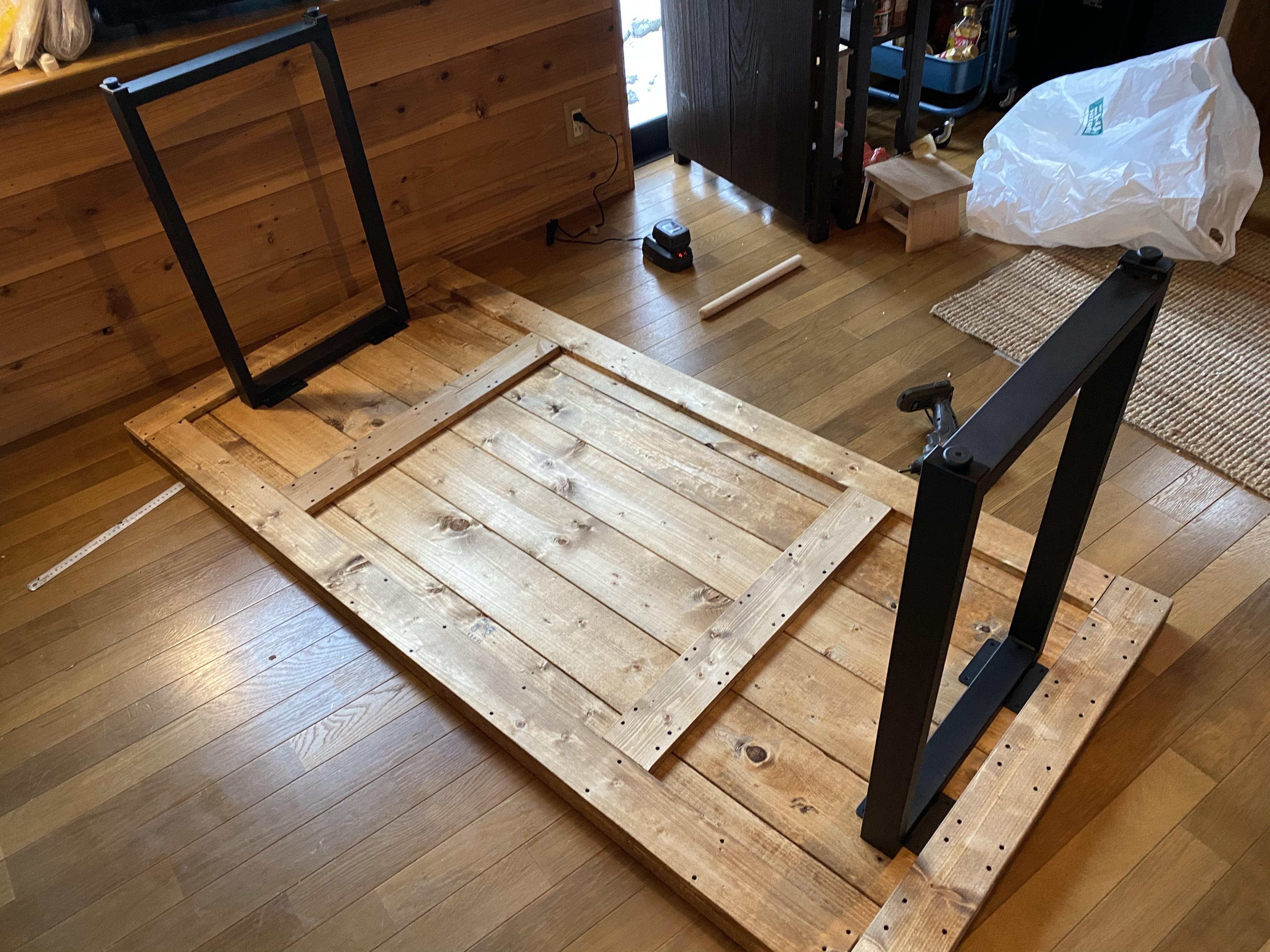 ブルックリン風の家具を作成